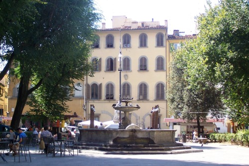 Oltrarno square